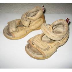 Шкіряні сандалі з супінатором 19 розмір